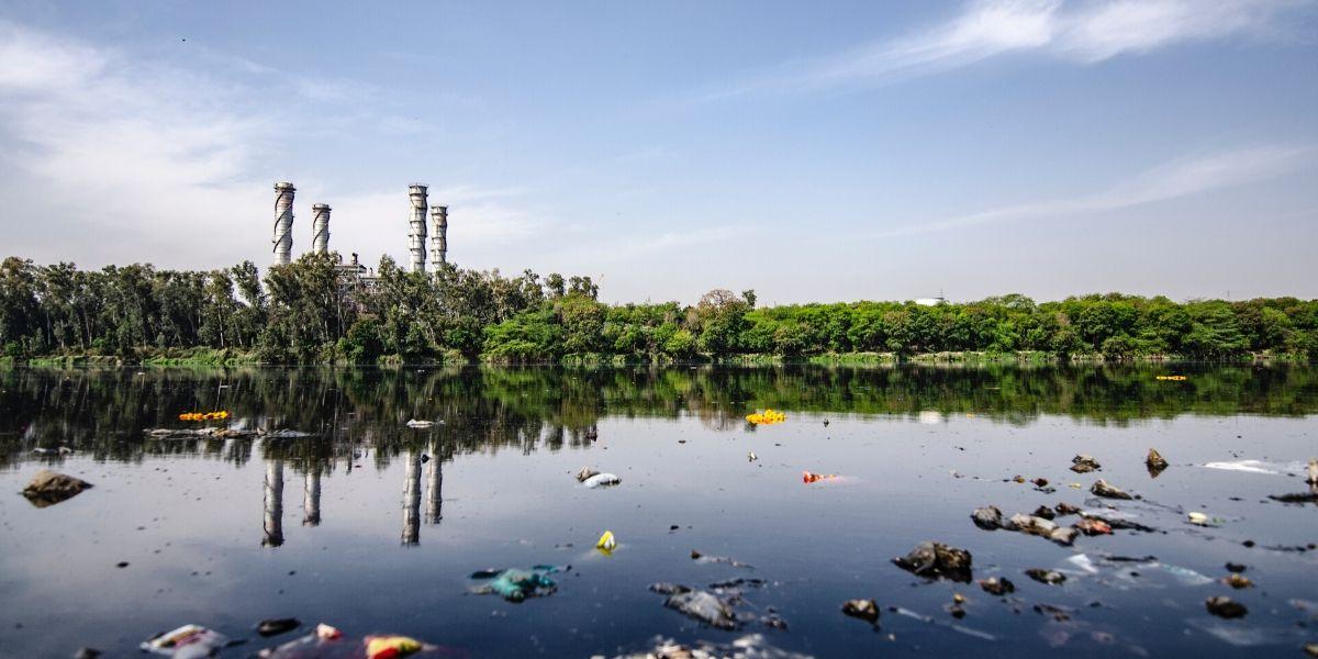 pilih lokasi sekitar yang jauh dari polusi